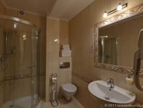 lazienka-w-pokoju-de-luxe-hotel-activia-jastrzebia-gora